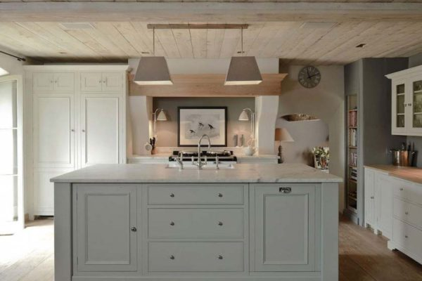 classic english kitchen island in grey