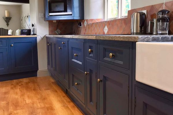 dark blue kitchen cupboards respray