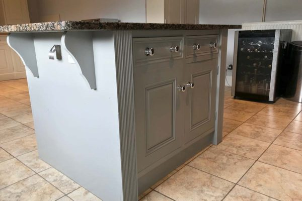 pale grey kitchen island